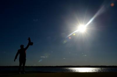 高球》「爸爸,我們終於做到了!」潘政琮PGA首冠告慰亡父