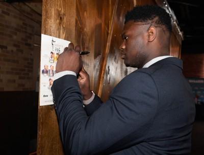 NBA》「杜克怪物」盡全力完成每個簽名 自曝原因超暖心