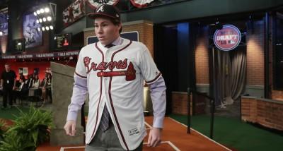 MLB》震撼!美國19歲超大物放棄大聯盟選秀 直接加盟日本職棒