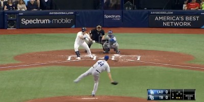 MLB》崔志萬突襲短打破防守佈陣 老將希爾狂罵髒話有原因