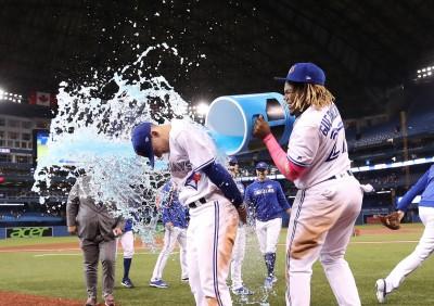 MLB》名人堂之子同場猛打賞 小比吉歐首安首轟出爐