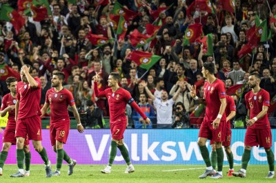足球》C羅「帽子戲法」 助葡萄牙挺進歐足總國家聯賽冠軍戰