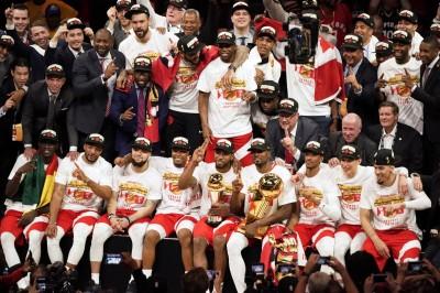 NBA》狂!季前離開勇士 暴龍麥考如今連三年捧金盃