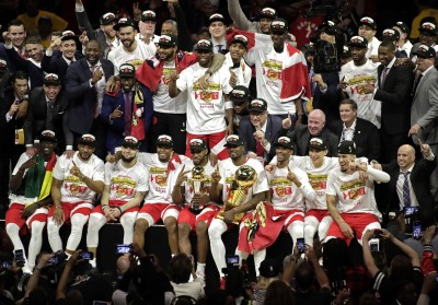 NBA總冠軍賽Live》羅利26分率軍擊敗勇士  暴龍奪冠