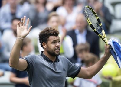 網球》法國人的浪漫 這2人用腳踢網球(影音)