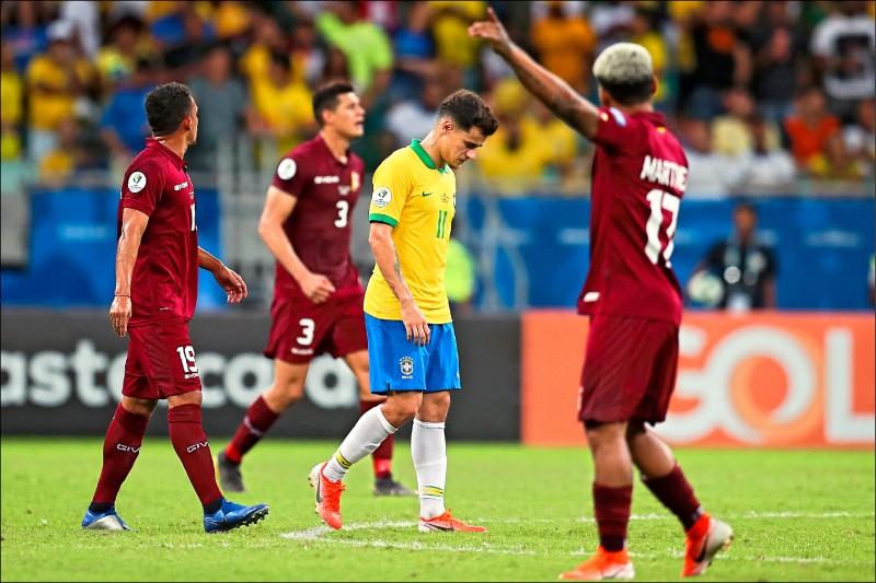 美洲盃足球賽》巴西敗給VAR 糗當白「射」力量
