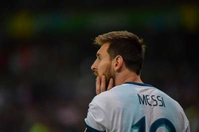 美洲盃》梅西點球追平 門將神撲救讓阿根廷續命
