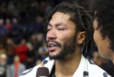 NBA》狂飆50分生涯新高淚灑球場 羅斯奪年度最佳時刻(影音)