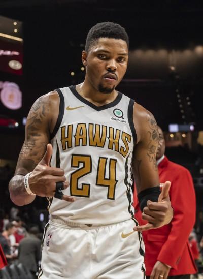 NBA》拓荒者、老鷹「一換一」  交易後衛換來側翼大將