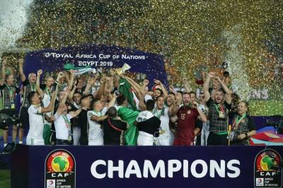 非洲盃》門將傻眼目送球進網 阿爾及利亞隊史2度捧盃