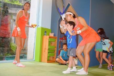網球》詹家姊妹圓山教學初體驗  夏令營播種樂當孩子王