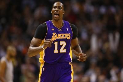 NBA》表弟膝蓋重傷下季恐報銷 湖人將找魔獸助拳?