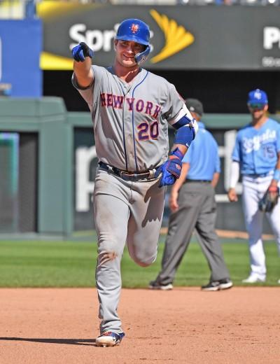MLB》單季40轟超越貝林傑 阿隆索締造國聯菜鳥新紀錄(影音)