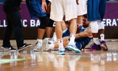 世界盃》希臘後衛只打18秒就傷退  「字母哥」痛失好幫手(影音)