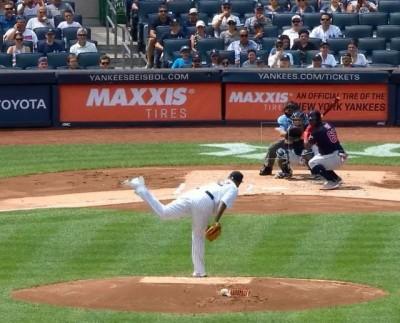 MLB》向小朋友致敬! 普伊格「蹲著打擊」讓網友笑歪(影音)