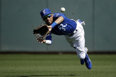 MLB》砸錢衝刺季後賽 勇士找來連4季50盜快腿外野手