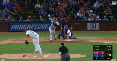 MLB》狂!內角壞球撈成深遠二壘安 大谷本季第8度猛打賞(影音)