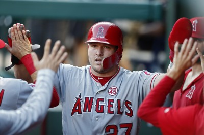 MLB》轟破生涯新高!神鱒42轟出爐 追平貝林傑並列全壘打王(影音)