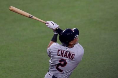 MLB》張育成正式重返大聯盟 先發第7棒三壘手