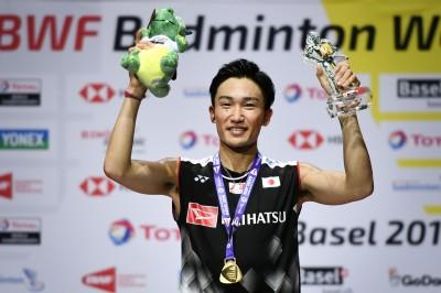 羽球世錦賽》球王桃田賢斗擊倒安童森 史上第4位連霸男單的名將