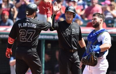 MLB》張育成敲生涯首安還有三壘打 總教練、隊友都大讚