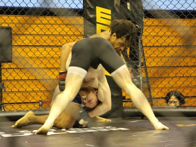 格鬥》吳仲凱、仁飄零武力高強 先後2局提前獲勝