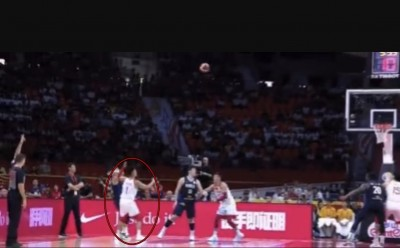 籃球世界盃》中國球員超危險動作 贏南韓卻遭自家球迷轟「沒品」