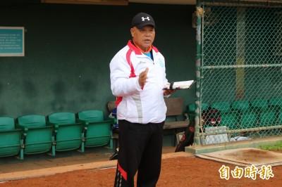 將默默無聞台東大學棒球隊推向全國8強 高克武獲體育推手獎