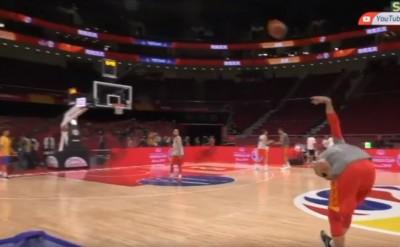 籃球》不科學!前NBA球員中場超狂投籃 讓網友看呆了(影音)