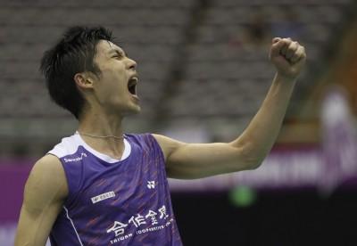 中國賽》台灣一哥周天成直落2擊敗中國黃宇翔 躋身男單8強