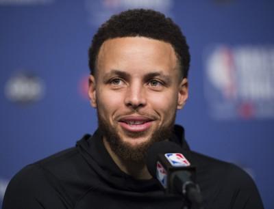NBA》盼組當今最強夢幻隊 「萌神」柯瑞表態願出征東奧