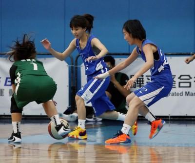 籃球》新聞盃超過40年 正妹主播、記者打球做公益