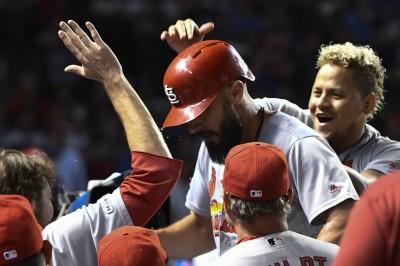 MLB》佛爾雷提8局好投勝投飛了 卡本特延長賽開轟退小熊(影音)