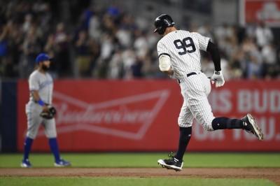 MLB》史上第一! 「法官」賈吉助洋基締造「轟」狂紀錄(影音)
