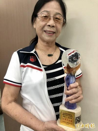 桌球》80歲還出國比賽 退休教師楊清鶴獲屏縣體育終身成就獎