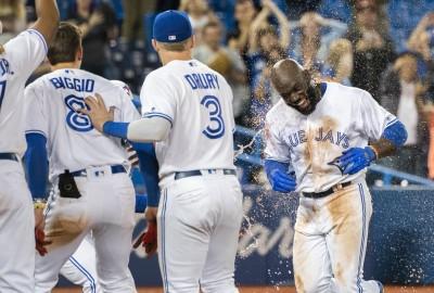 MLB》史上第三人!15局一棒結束比賽 藍鳥小將敲最狂生涯首轟