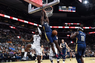NBA》怪物狀元「雙十」力壓馬刺 上演超狂全場空中接力(影音)