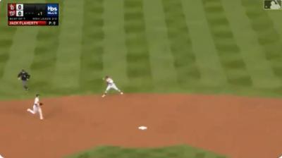 MLB》背水一戰力挺王牌! 紅雀二壘手首局上演精采美技(影音)