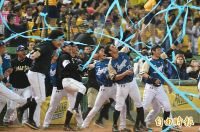 台灣大賽》桃猿大勝兄弟完成三連霸  恰恰引退畫下遺憾句點