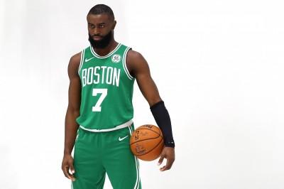 NBA》4年35億延長合約 J.布朗續留綠衫軍