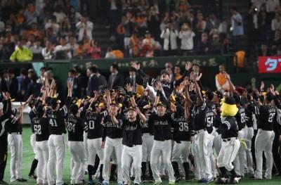 日本大賽》陽岱鋼9局遭美技沒收安打 軟銀奪3連霸!
