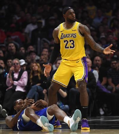 NBA》媒體提問令詹皇無言以對 怒回「我他X的怎知道」