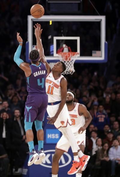 NBA》葛拉漢橫空出世絕殺3分 黃蜂逆轉氣走尼克