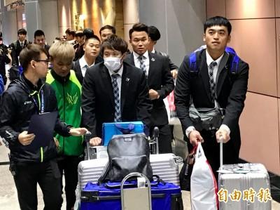 12強》台灣隊今返國 球迷熱情接機