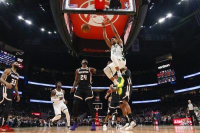 NBA》字母哥雙十寫神獸紀錄 公鹿獵鷹奪5連勝