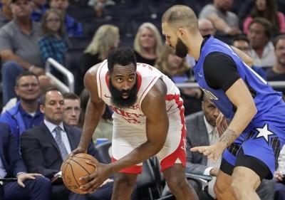 NBA》連兩戰飆10顆三分球 哈登狂轟54分大破魔術(影音)