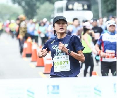 路跑》第7屆渣打台北公益馬拉松 台將傅淑萍快意封后