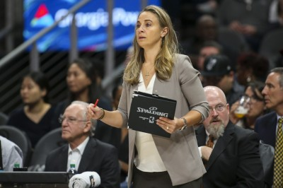 NBA》關鍵時刻勇敢諫言  美媒直指馬刺贏球功臣是「她」(影音)