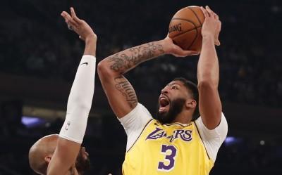 NBA》一眉哥回神飆28分勝尼克 詹皇生涯總得分逼近Kobe