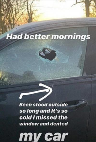 足球》奇葩?被鎖在車外...英格蘭前鋒竟砸碎車窗